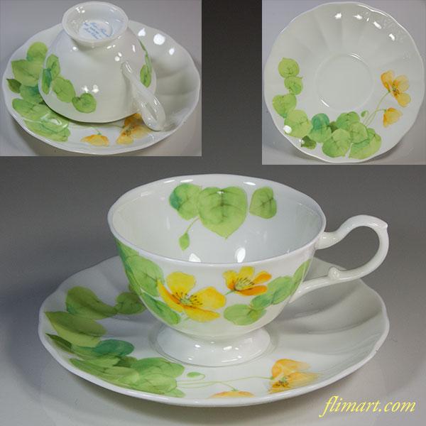 ナルミボーンチャイナWater Flowersカップ&ソーサー
